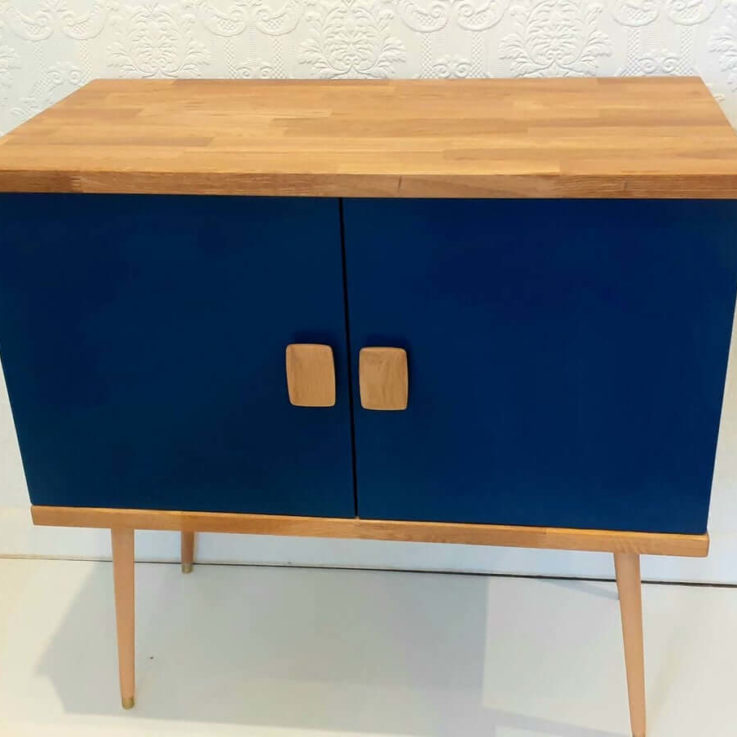 Arne Record Cabinet 70s Retro Sideboard