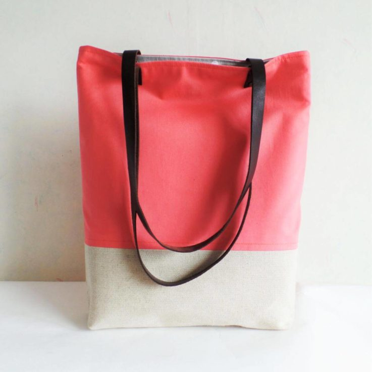 Coral pink tote bag, Salmon pink tote bag, Linen and cotton tote, Summer Beach bag, Lether handles, Bridesmaids gift tote bag, Coral purse