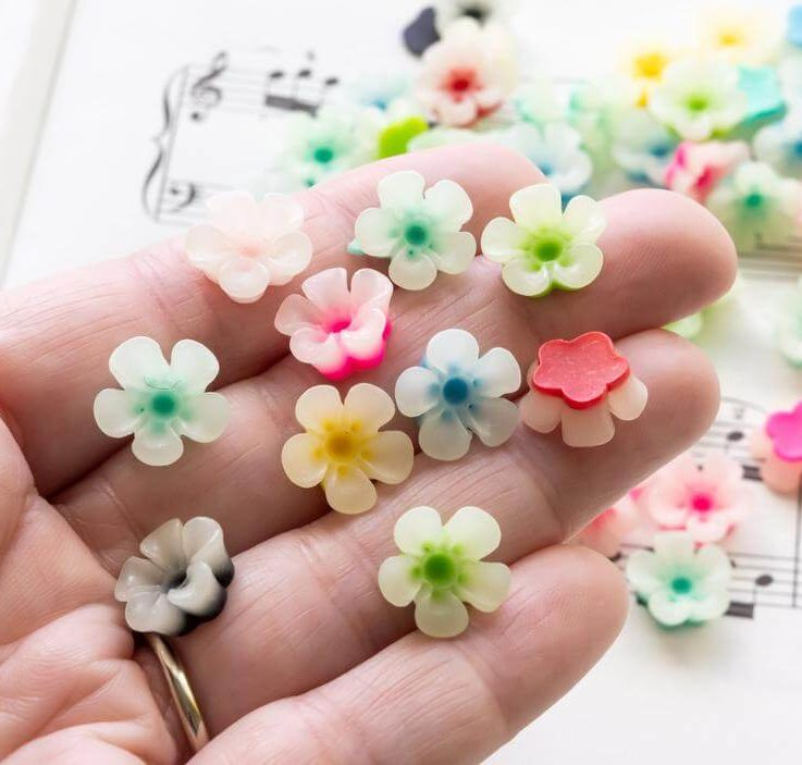 Light Two-Tone Flower Cabochons Small Resin Flatback Floral Decoden