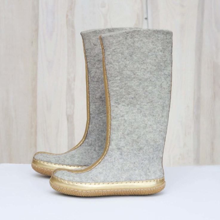 Felted boots - Grey boots - Golden natural leather tassel decorated
