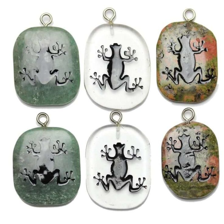 Tree Frog on Stone Cave Painting Pendant