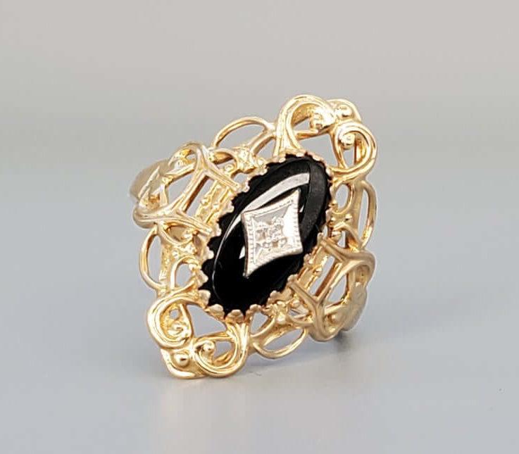Vintage Art Deco Diamond & Onyx Ring - Fine Jewelry Gold Ring