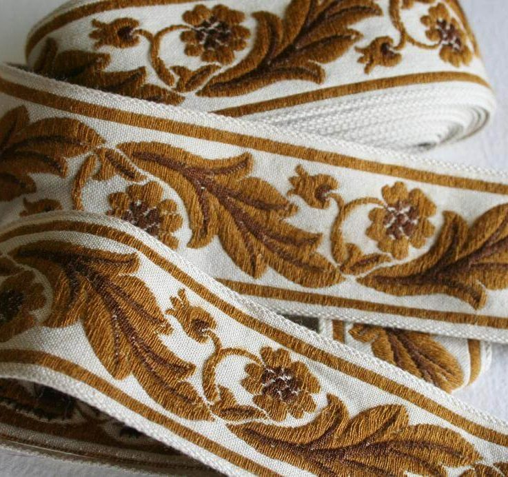 Vintage Upholstery Ribbon Trim Flower and Leaf Scroll Design 4 Meters Two Tone Brown