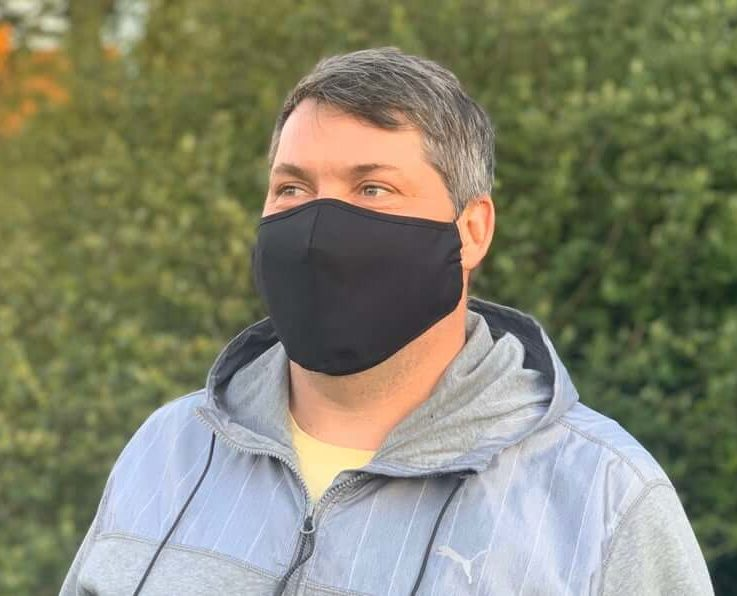 XL face mask with PM2.5 filter. Black. Reusable, cotton. Big size for big people. Protect from dust, pollen etc. Lightweight, breathable.