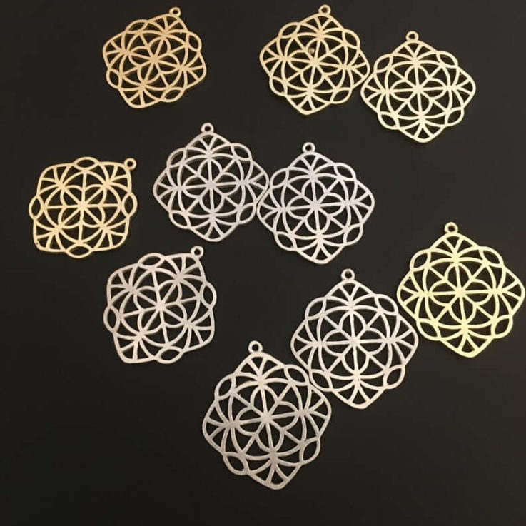5Pcs. Gold Finish or Silver Plated, Fancy Pendent E-coated, Component, Brass Findings (35mmX38mm with Loop)
