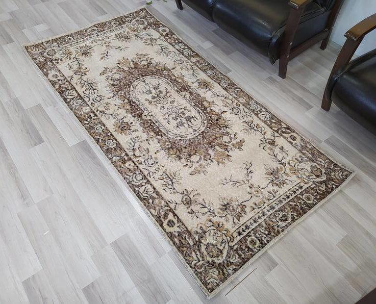 Country farmhouse decor, Turkish vintage area rug, vintage anatolian rug, Brown Rug, White Brown Rug, handmade area rug, 3'5'' x 6'9'' ft