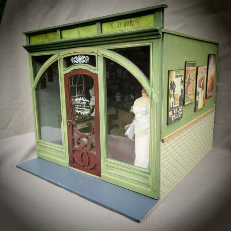 Dollhouse miniature roombox kitone scale in Art Deco, Art nouveau.