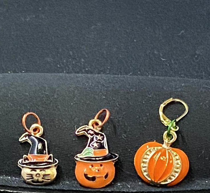 Halloween stitch markers, knit stitch markers, crochet progress keepers, holiday stitch markers, fiber notions