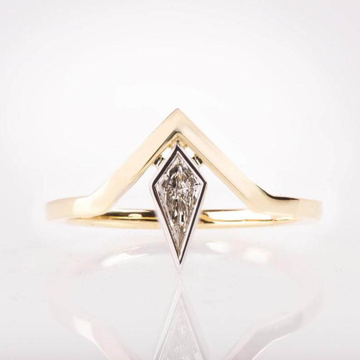 V Ring, Chevron Ring, Kite Diamond Ring, Kite Ring, Art Deco Engagement Ring, Geometric Ring, Diamond V Ring, Deltoid ring, Chevron V Ring
