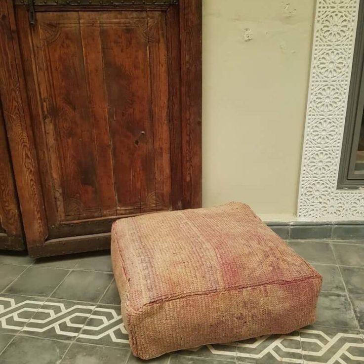 Moroccan kilim, Carpet pouf, Floor pouf, kilim pouf, Recycled rug, Square pouf, Vintage carpet pouf.